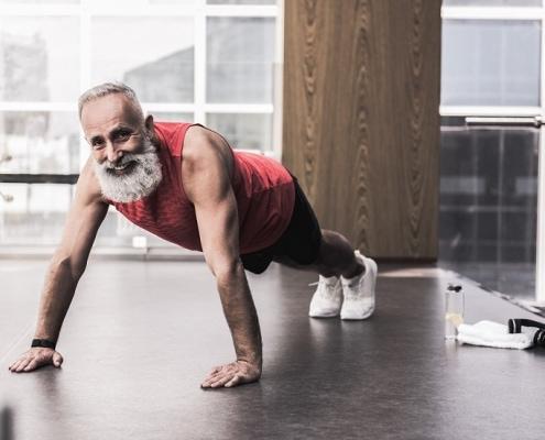 fitness im alter mann