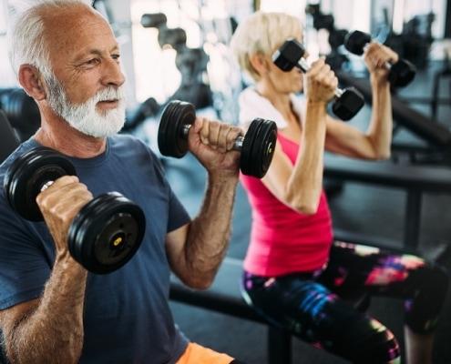 fitness im alter mann und frau