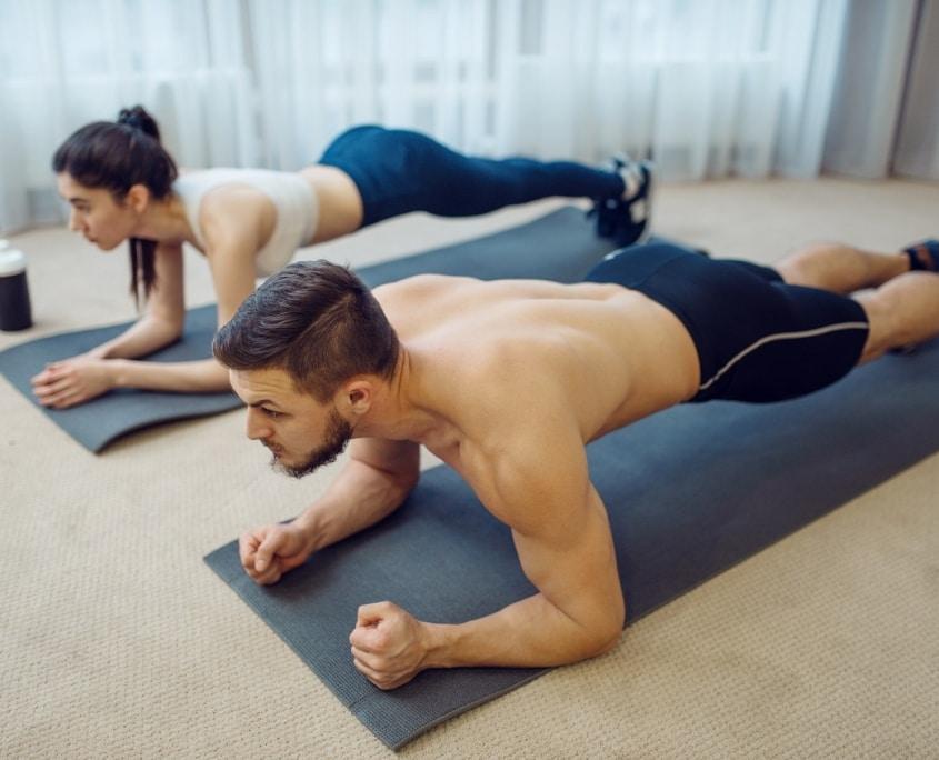 trainingsplan für zuhause mann und frau